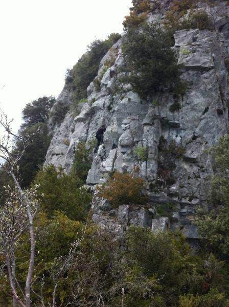 Rando-Kiki-montre-la-route-du-sommet